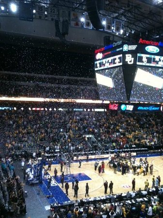 American Airlines Center: AA Center holds 18,500 people