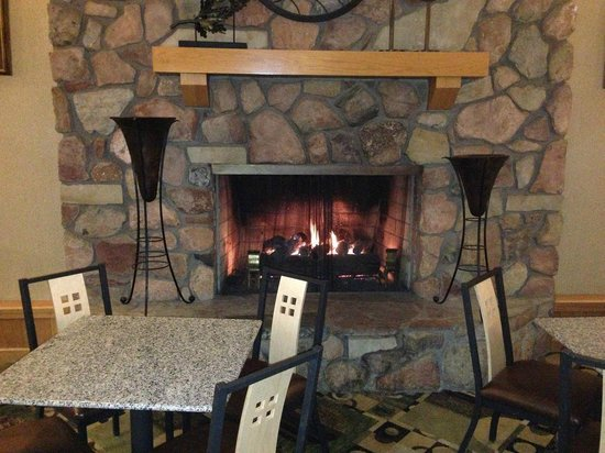 Comfort Inn Near Vail Beaver Creek:                   Fireplace