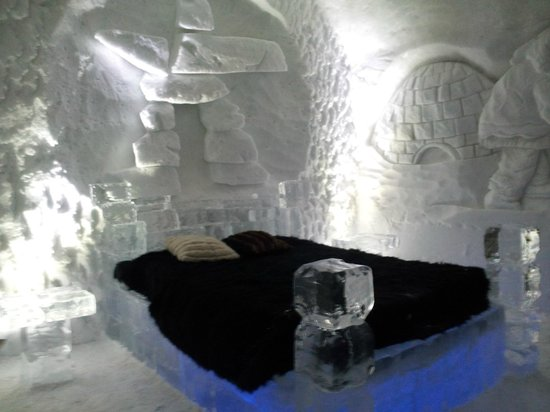 Hotel de Glace:                   upgraded room