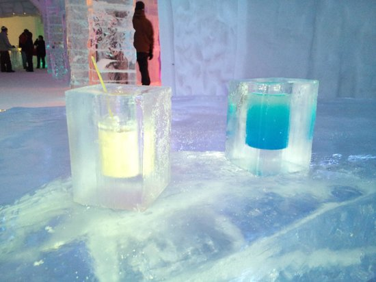Hotel de Glace:                   free drinks in ice cups