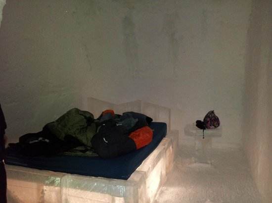 Hotel de Glace:                   standard room
