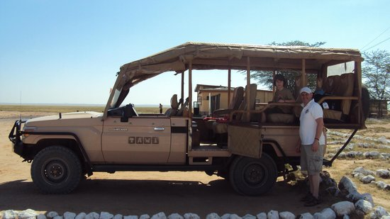 Tawi Lodge:                                     Jeep du lodge