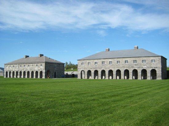 Lieu historique national du Fort-Lennox : The Barracks.