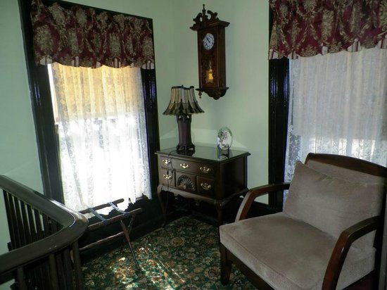 White Cliff Manor Bed and Breakfast:                   Maids Sitting Room