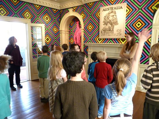 Kluge-Ruhe Aboriginal Art Collection of the University of Virginia: Students from Peabody School excitedly participate in a tour