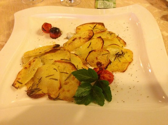 Resort Nando al Pallone: Filetto di San Pietro in crosta di patate