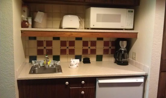 Villas at Disney's Wilderness Lodge:                   Studio kitchenette with lots of cabinet space