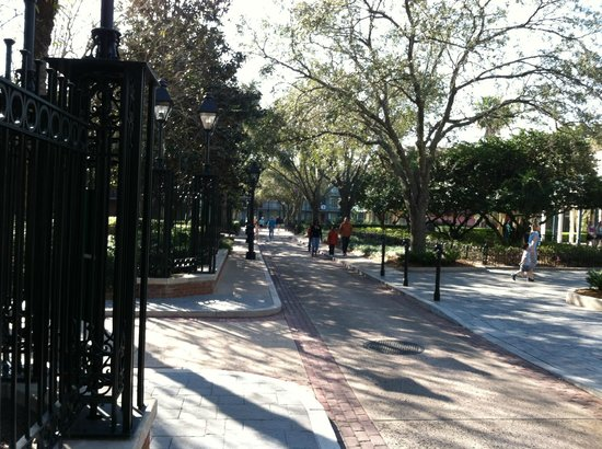 Disney's Port Orleans Resort - French Quarter:                   The walks
