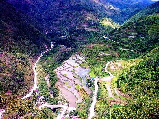 Half way to Hapao rice terraces