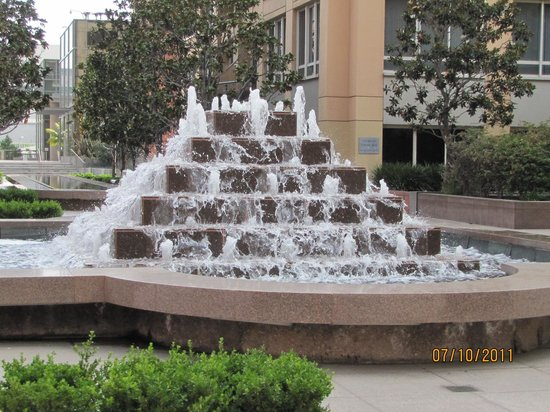 Omni Los Angeles at California Plaza:                                     Fountain on the Terrace of the Omni