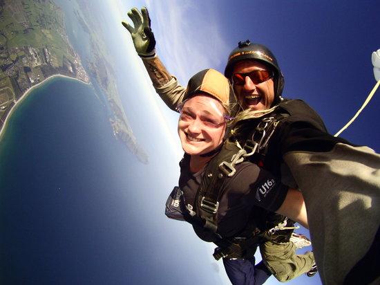 Skydive Ballistic Blondes: getlstd_property_photo