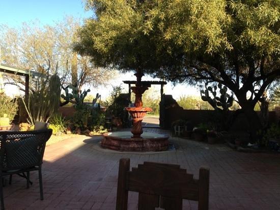 Rancho Sonora Inn:                   fountain