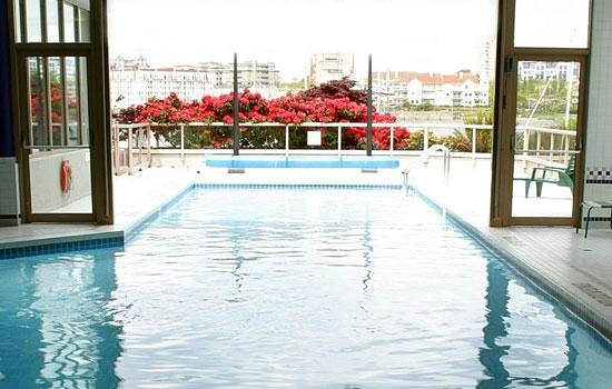 Coast Victoria Harbourside Hotel & Marina:                   Pool is fantastic, you can do laps forever.