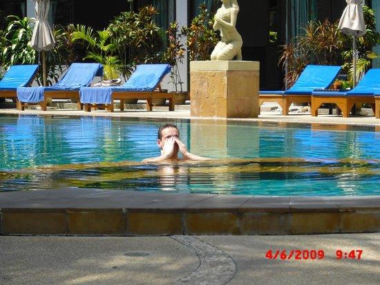 Orchidacea Resort:                   Looks nice.