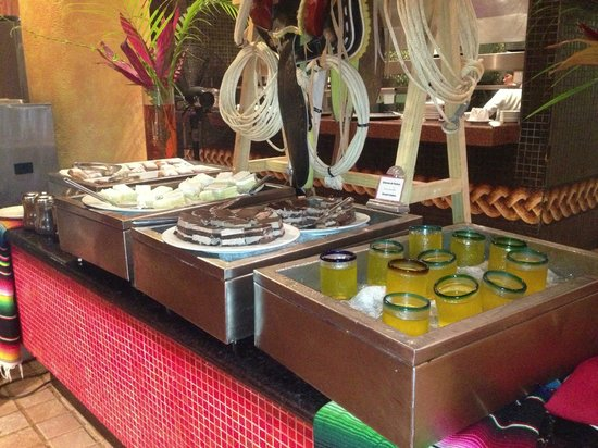 The Royal Haciendas All Suites Resort & Spa: buffet desserts