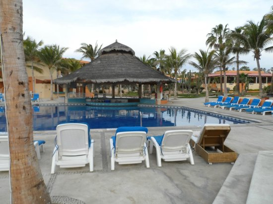 Posada Real Los Cabos:                   View from chaise surrounding the pool and bar
