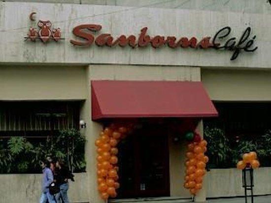 Sanborns matamoros restaurant reviews photos for Sanborns restaurant mexico
