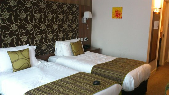 The Collection Hotel Birmingham:                   Clean comfortable twin bedded room