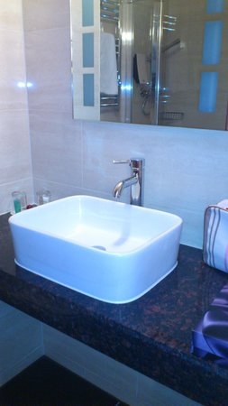 The Collection Hotel Birmingham:                   Small but well equiped Bathroom