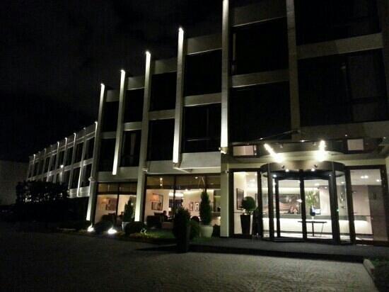 Kalyon Hotel Istanbul: night view 1