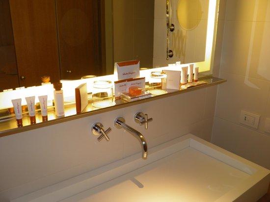 Continentale:                   bathroom