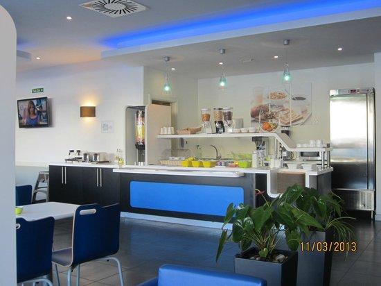 Ibis budget Malaga Centro: Buffet petit déjeuner