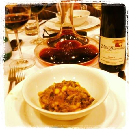 Ristorante Valleverde Zi' Pasqualina : soup and Taurasi