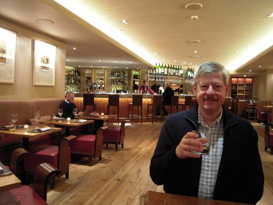 Bar Boulud:                   A very empty bar!