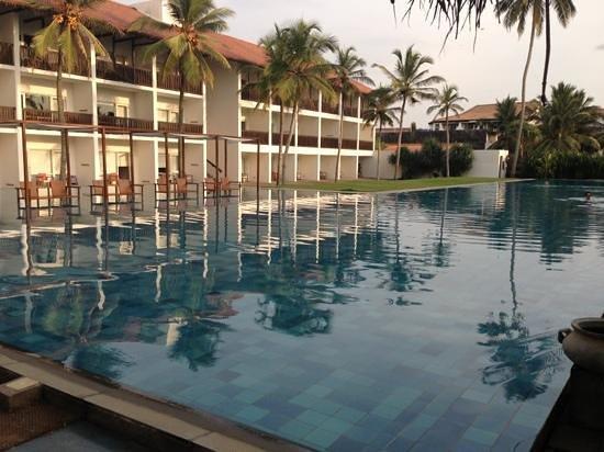 Jetwing Blue:                   vue de la 1ère piscine (la plus jolie)
