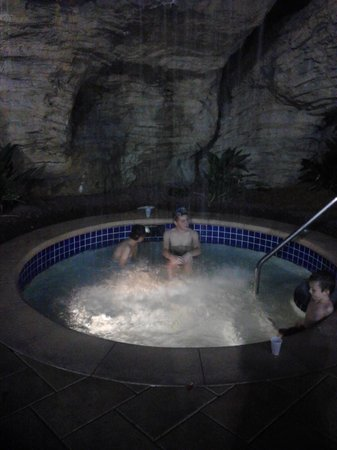 Hilton Grand Vacations at SeaWorld:                   Outdoor jacuzzi