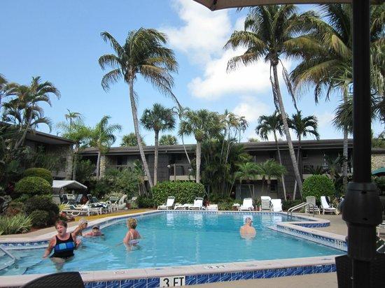 BEST WESTERN Naples Inn & Suites:                   Pool # 2