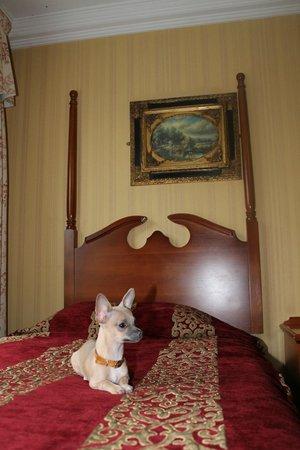 Randles Hotel:                   Room