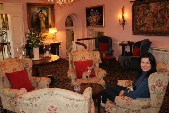 Randles Hotel:                   Relaxing