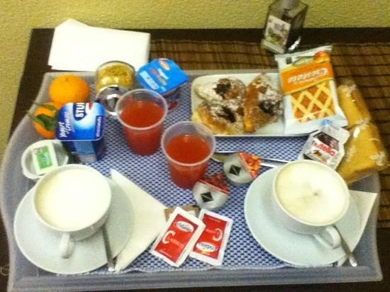 B&B City Life Rome:                   colazione!