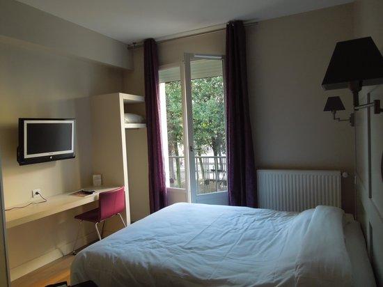 Hotel le Cardinal :                   Room