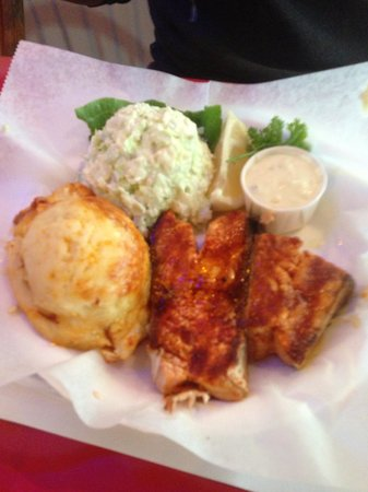 Crab Cooker Restaurant: Salmon