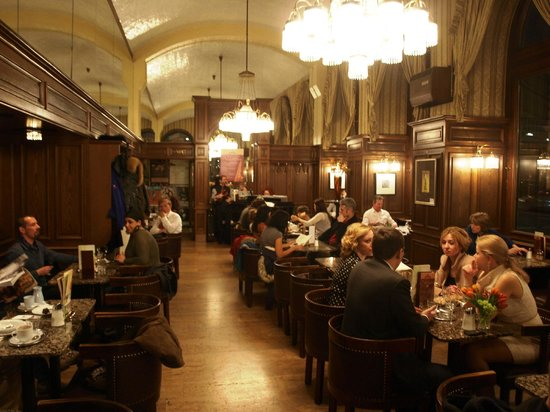 cafe schwarzenberg with the musicians in the background picture of cafe schwarzenberg vienna. Black Bedroom Furniture Sets. Home Design Ideas