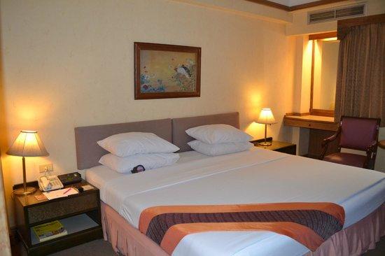 Silom City Hotel:                   chambre