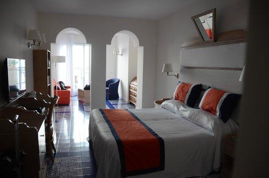 Hotel Bristol:                   Room 707
