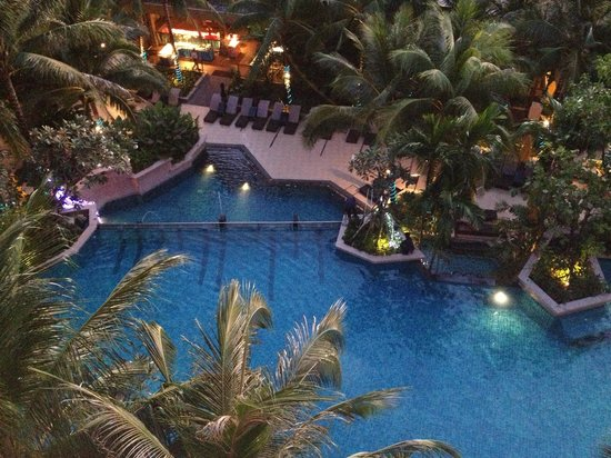 Novotel Phuket Kata Avista Resort and Spa:                   Resort Pool