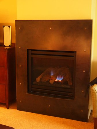 The Limelight Hotel:                   Deluxe Room Fireplace
