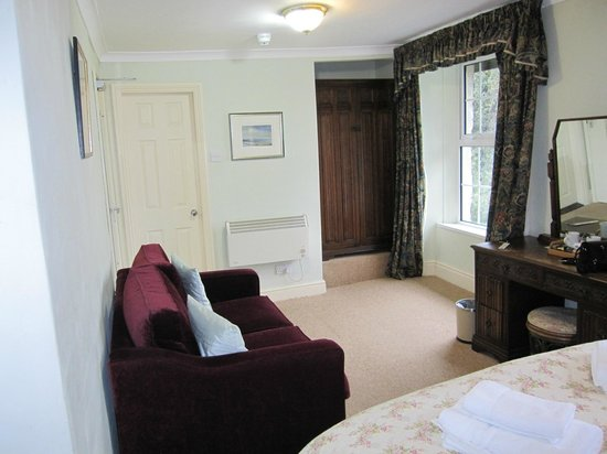Sygun Fawr Country House:                                     Bedroom view 2