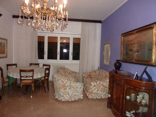 Sara's Rooms:                   Wohnzimmer