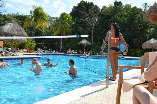 Hotel Riu Lupita:                                     À la piscine principale