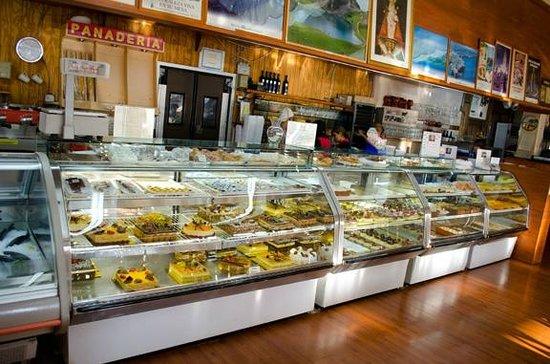 Bakery picture of delicias de espana miami tripadvisor for Pisos en delicias madrid