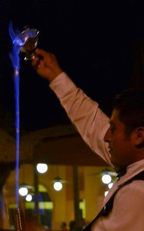 Hotel Riu Lupita:                                     Le soir aux tables près des spectacles et bar