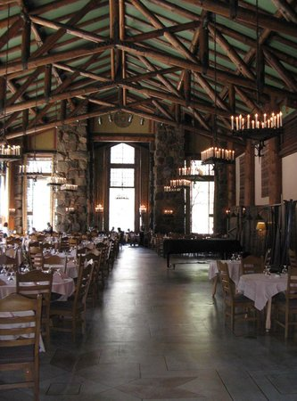 Yosemite Lodge At The Falls:                                     Ahwahnee dinnig room