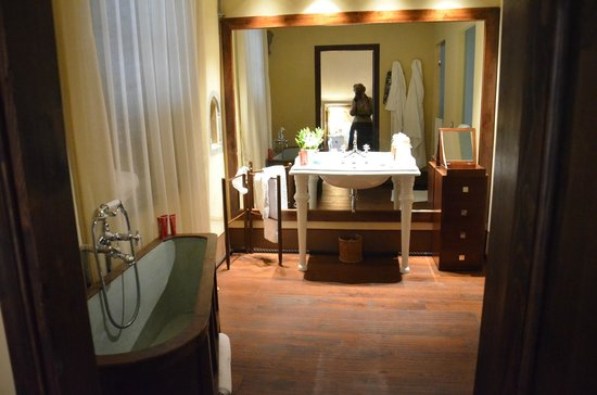 Il Salviatino:                   Bathroom was nice (we actually used the antique tub!).