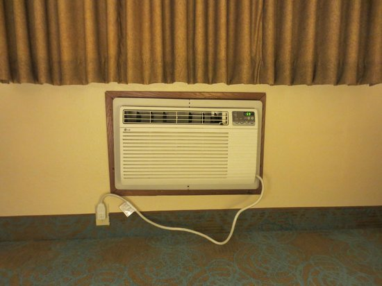 Super 8 Hartford WI: New Heat-Cool Unit