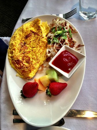 Rockwater Secret Cove Resort: Ham and Cheddar Cheese Omelette